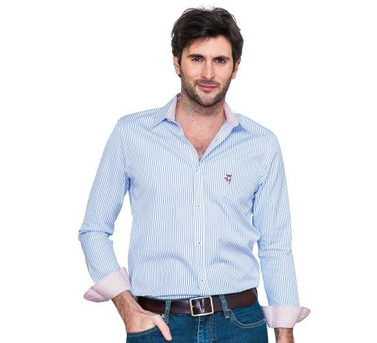Chemise coupe droite avec rayures bleu et contrastes fleuries
